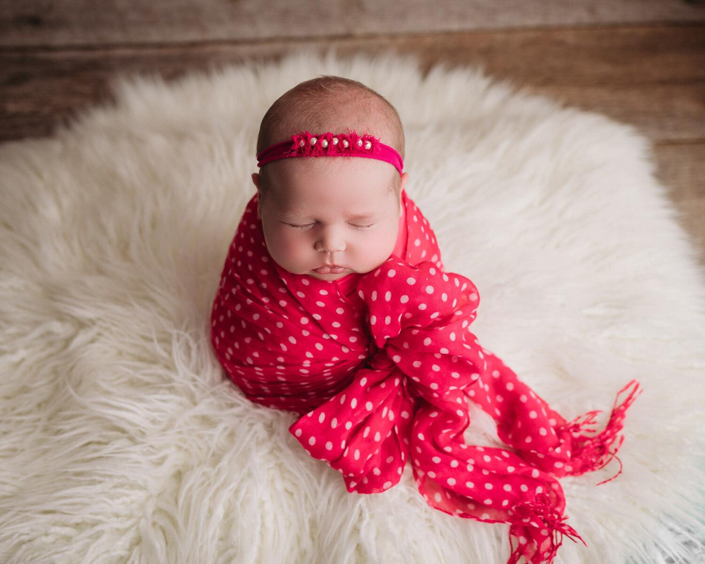 Why Hire a Professional Newborn Photographer | Minneapolis Newborn Photography